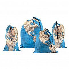 Travel Bag Set - Around the World - Zugbeutel mit Weltkarten-Look - Kikkerland - 4er Set